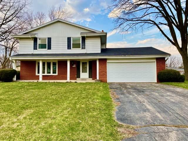 N114W15166 Vicksburg Ave, Germantown, WI 53022 (#1683953) :: Tom Didier Real Estate Team
