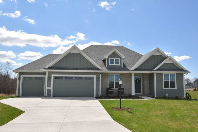 10735 N Blackbird Ct, Mequon, WI 53097 (#1686404) :: OneTrust Real Estate