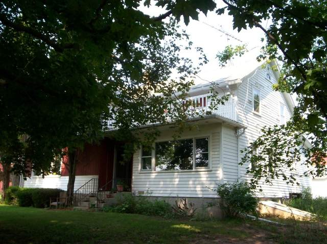 W1534 County Road Mm, Mosel, WI 53015 (#1687280) :: RE/MAX Service First Service First Pros