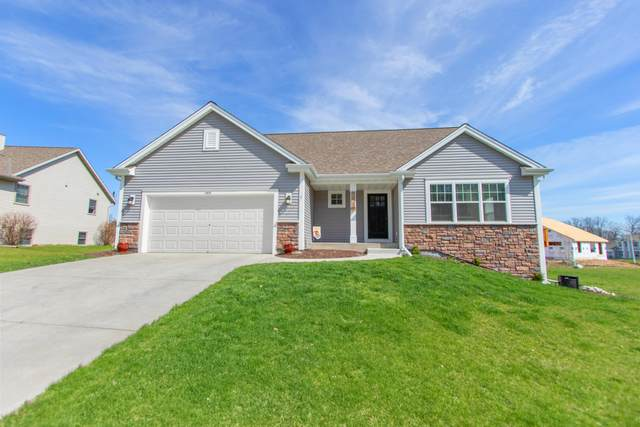 1536 E Monroe Ave, Hartford, WI 53027 (#1687641) :: RE/MAX Service First Service First Pros