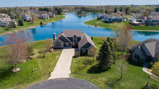 312 Blue Water Ct, Dousman, WI 53118 (#1687908) :: RE/MAX Service First Service First Pros