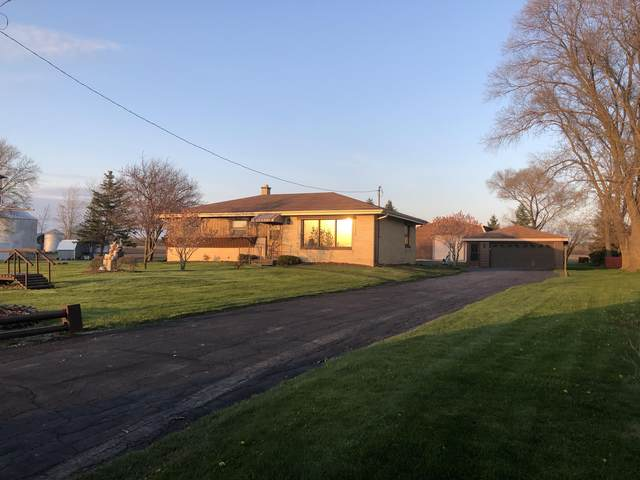 2888 43rd St, Raymond, WI 53126 (#1688319) :: RE/MAX Service First Service First Pros
