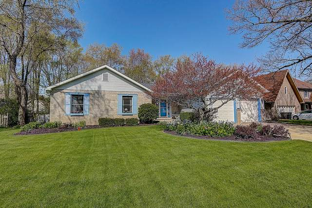 745 4th Ct, Silver Lake, WI 53170 (#1688864) :: RE/MAX Service First Service First Pros