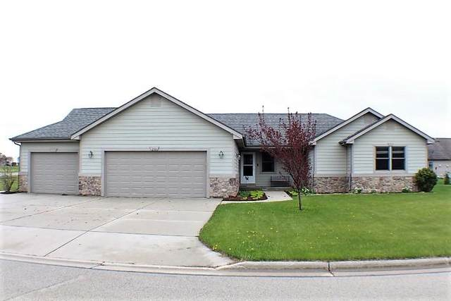 254 Maries Way, Random Lake, WI 53075 (#1689062) :: RE/MAX Service First Service First Pros