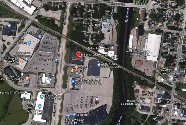 605 S Church St, Watertown, WI 53094 (#1689101) :: NextHome Prime Real Estate