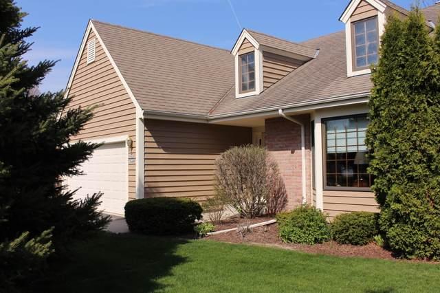 W52N136 Pioneer Ct, Cedarburg, WI 53012 (#1689113) :: Tom Didier Real Estate Team