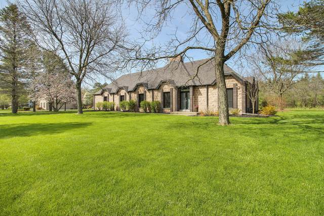 15350 Brojan Dr, Elm Grove, WI 53122 (#1689317) :: RE/MAX Service First Service First Pros