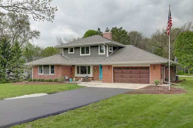 955 Brinsmere Dr, Elm Grove, WI 53122 (#1689356) :: RE/MAX Service First Service First Pros