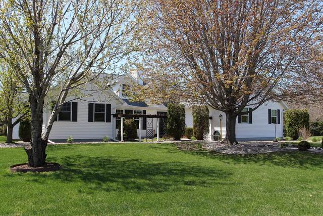 304 Pheasant Ct, Fond Du Lac, WI 54935 (#1689395) :: RE/MAX Service First Service First Pros