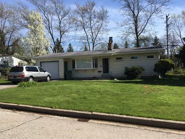 5622 Bentwood Ln, Greendale, WI 53129 (#1689421) :: Keller Williams Realty - Milwaukee Southwest