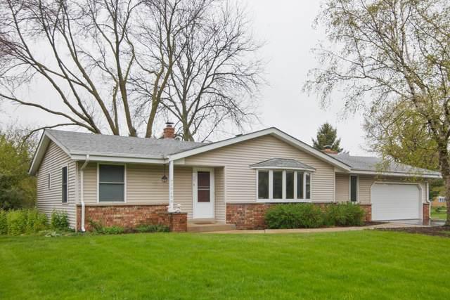 20290 Linden Ln, Brookfield, WI 53045 (#1689613) :: Keller Williams Realty - Milwaukee Southwest