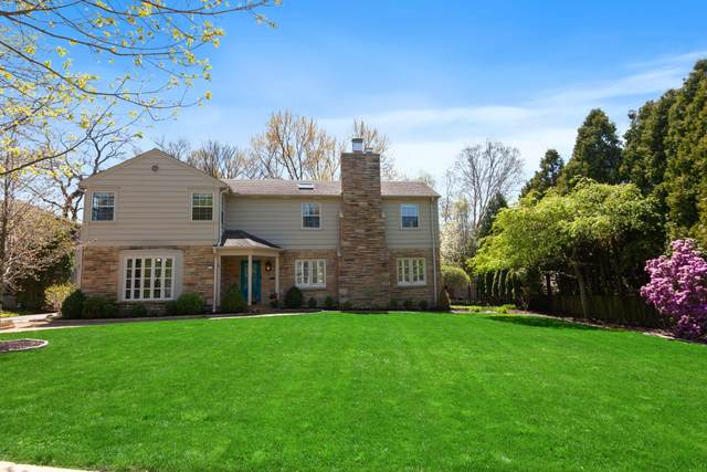 2111 E Glendale Ave, Whitefish Bay, WI 53211 (#1689924) :: Tom Didier Real Estate Team