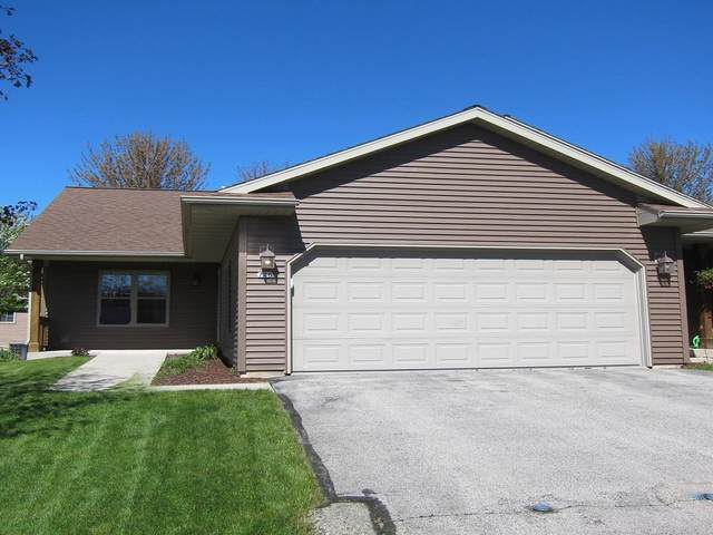 726 Cattail Ct, Plymouth, WI 53073 (#1689951) :: RE/MAX Service First Service First Pros