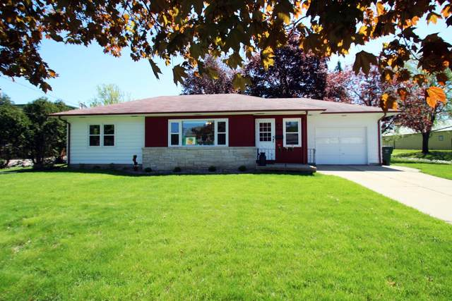 806 N Main St, Lake Mills, WI 53551 (#1689964) :: OneTrust Real Estate
