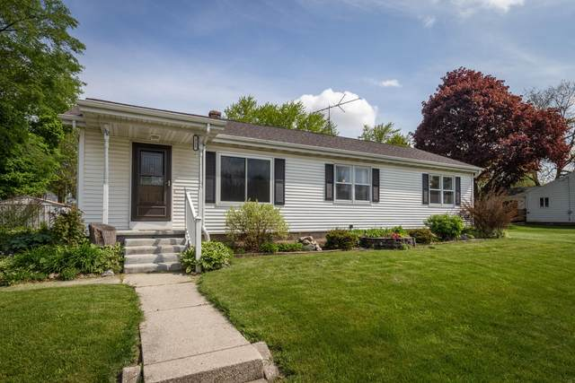 312 Edgewood Ave, Adell, WI 53001 (#1689974) :: RE/MAX Service First Service First Pros