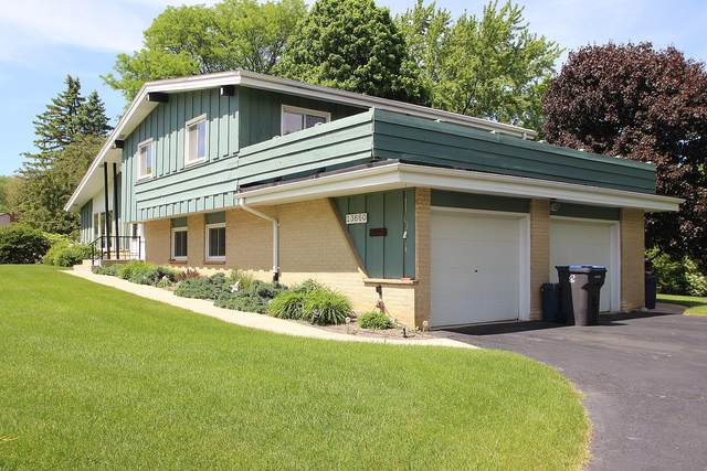 13660 W Nicolet Dr, New Berlin, WI 53151 (#1690324) :: RE/MAX Service First Service First Pros