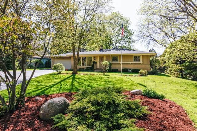 1285 Webster Ave, Brookfield, WI 53005 (#1690364) :: Keller Williams Realty - Milwaukee Southwest