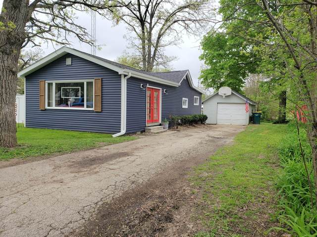 N1142 Walnut Rd, Bloomfield, WI 53128 (#1690438) :: RE/MAX Service First Service First Pros