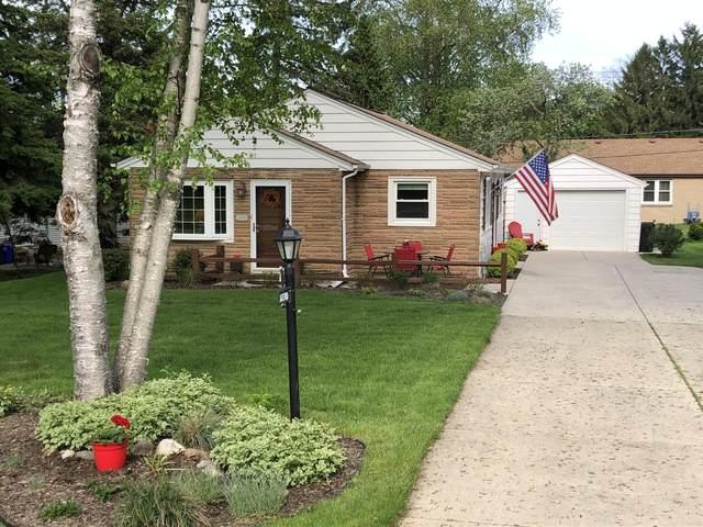 1270 Garvens Ave, Brookfield, WI 53005 (#1690481) :: Keller Williams Realty - Milwaukee Southwest