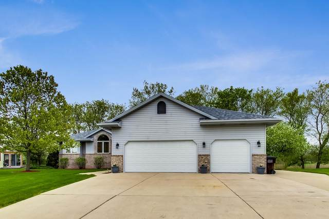179 11th Ave, Union Grove, WI 53182 (#1690548) :: RE/MAX Service First Service First Pros