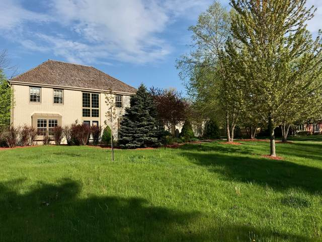 11107 N Wyngate Trace, Mequon, WI 53092 (#1690597) :: Tom Didier Real Estate Team