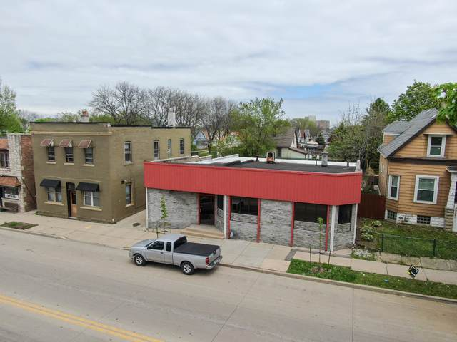 1112 S 60th St, West Allis, WI 53214 (#1690726) :: RE/MAX Service First Service First Pros