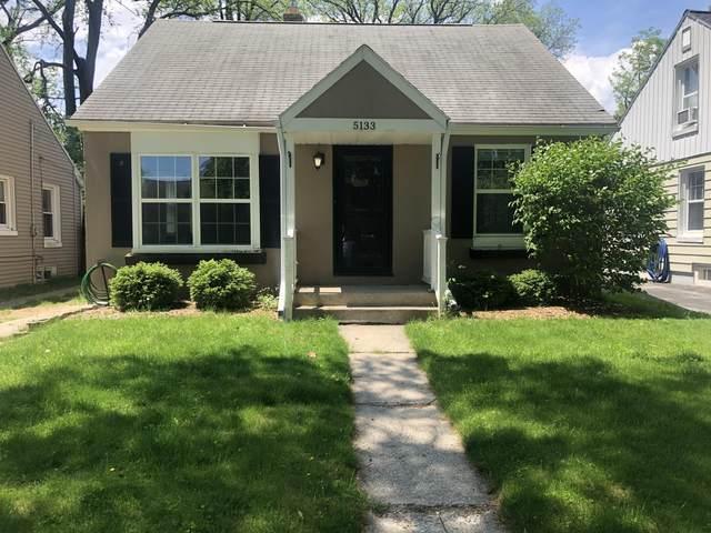 5133 N Bay Ridge Ave, Whitefish Bay, WI 53217 (#1690828) :: Tom Didier Real Estate Team