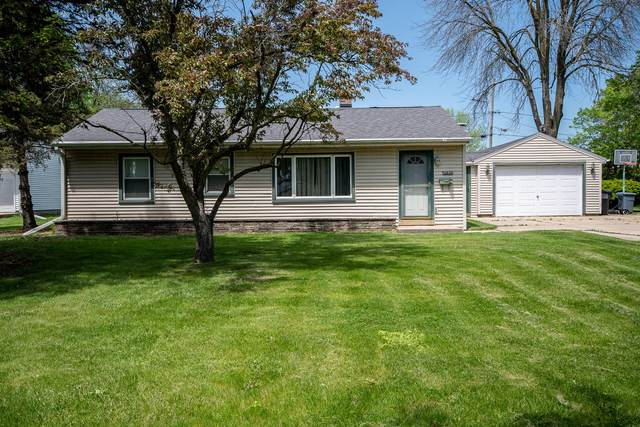 12828 W Stark St, Butler, WI 53007 (#1690879) :: RE/MAX Service First Service First Pros