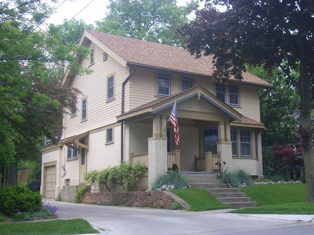2414 E Jarvis St, Shorewood, WI 53211 (#1690885) :: Tom Didier Real Estate Team