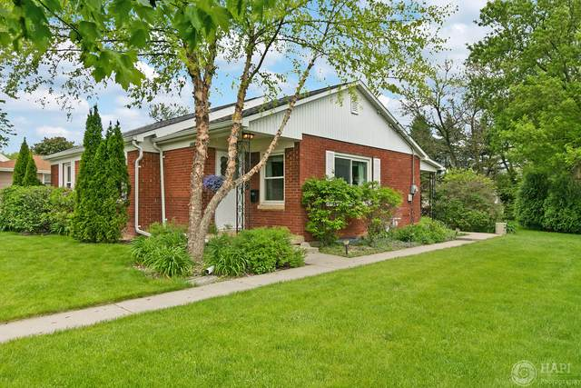1425 Center Street, Union Grove, WI 53182 (#1690894) :: RE/MAX Service First Service First Pros