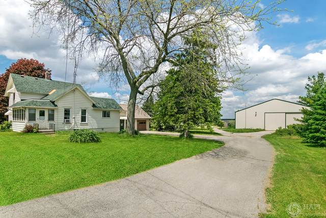 16308 58th Rd, Yorkville, WI 53182 (#1690957) :: RE/MAX Service First Service First Pros