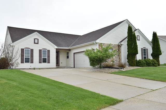 1311 Chippewa Dr, Hartford, WI 53027 (#1691011) :: RE/MAX Service First Service First Pros