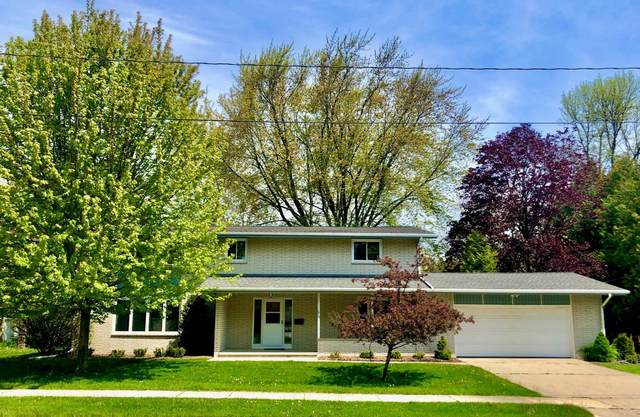1818 31st, Two Rivers, WI 54241 (#1691020) :: RE/MAX Service First Service First Pros