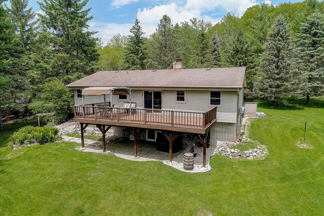 N4596 Indian Point Rd, Sullivan, WI 53178 (#1691029) :: RE/MAX Service First