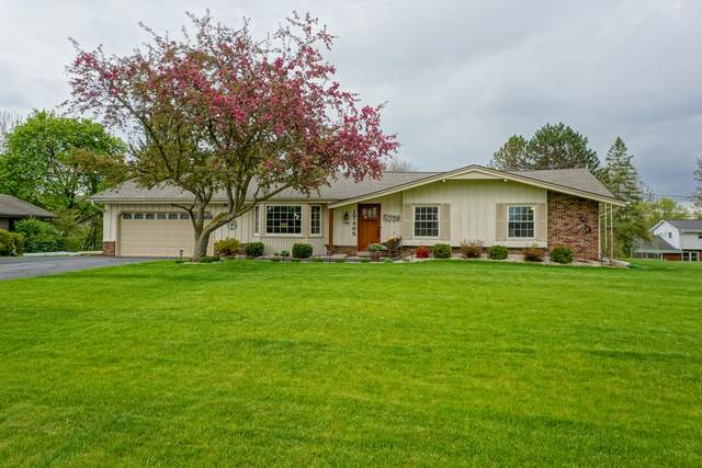 17495 Bedford Dr, Brookfield, WI 53045 (#1691054) :: RE/MAX Service First Service First Pros