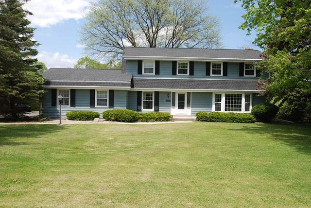 16500 Burleigh Pl, Brookfield, WI 53005 (#1691071) :: RE/MAX Service First Service First Pros