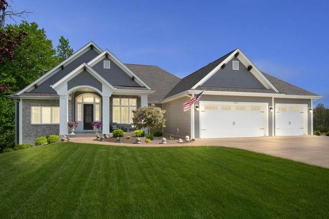 18000 Peregrine Ln, Brookfield, WI 53045 (#1691073) :: RE/MAX Service First Service First Pros