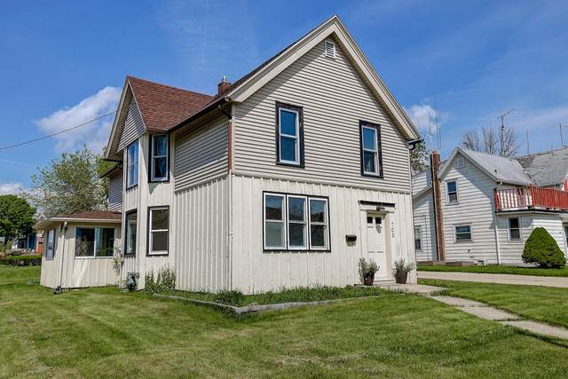 703 N Wisconsin St, Port Washington, WI 53074 (#1691111) :: Tom Didier Real Estate Team
