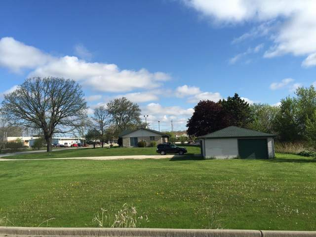 188 S Foster St, Saukville, WI 53080 (#1691114) :: NextHome Prime Real Estate