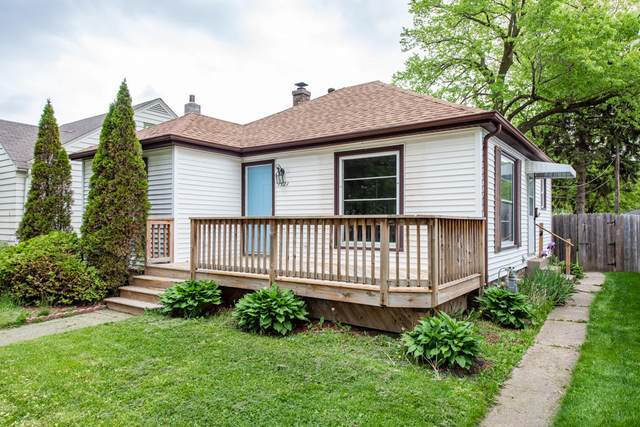 1521 Monroe Ave, Racine, WI 53405 (#1691133) :: RE/MAX Service First Service First Pros