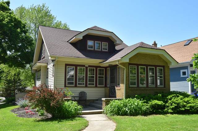 2503 N 67th St, Wauwatosa, WI 53213 (#1691177) :: RE/MAX Service First Service First Pros