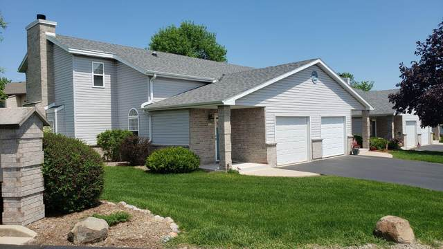 6559 S Parkwood Dr, Franklin, WI 53132 (#1691225) :: RE/MAX Service First Service First Pros