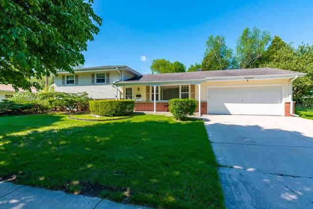 N78W6915 Pine St, Cedarburg, WI 53012 (#1691242) :: Tom Didier Real Estate Team