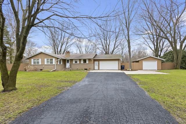 1412 Cedar Creek Parkway, Cedarburg, WI 53024 (#1691341) :: Tom Didier Real Estate Team