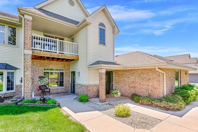 775 E Cheyenne Ave H, Grafton, WI 53024 (#1691517) :: Tom Didier Real Estate Team