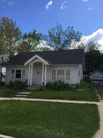 241 S 6th Ave, West Bend, WI 53095 (#1691676) :: NextHome Prime Real Estate
