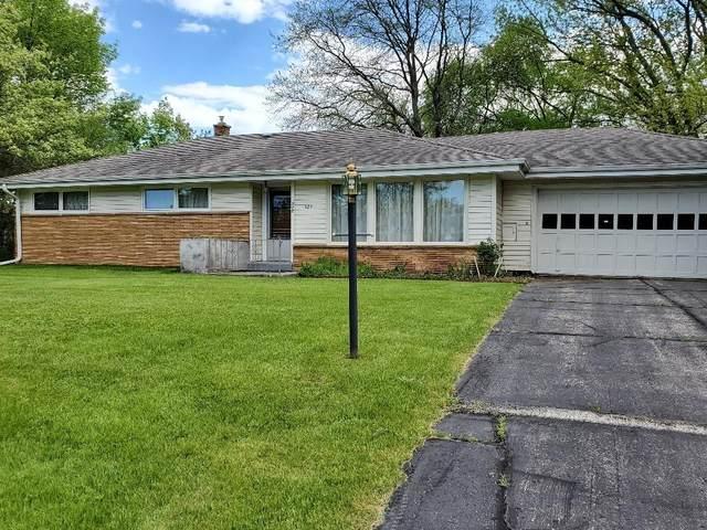 325 W Ellsworth Ln, Bayside, WI 53217 (#1691945) :: Keller Williams Realty - Milwaukee Southwest