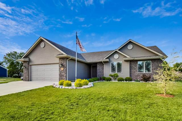 1862 Swallow Rd, Twin Lakes, WI 53181 (#1691986) :: RE/MAX Service First Service First Pros