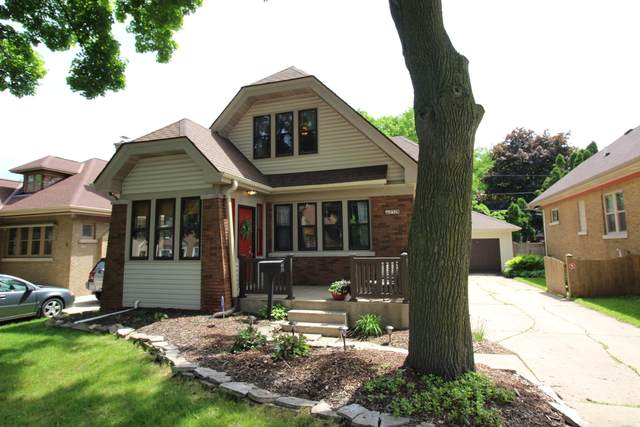 2328 N Lefeber Ave, Wauwatosa, WI 53213 (#1692023) :: RE/MAX Service First Service First Pros
