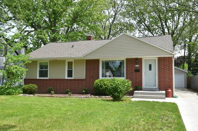 3608 N 96th St, Milwaukee, WI 53222 (#1692084) :: RE/MAX Service First Service First Pros
